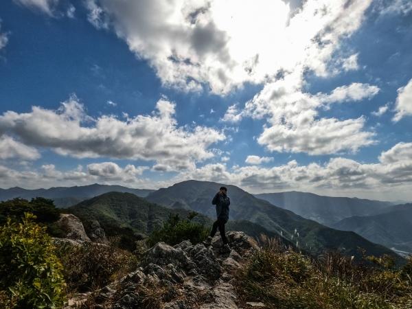 영남알프스 태극종주중에 찍은 억산가는길 등산 사진입니다.